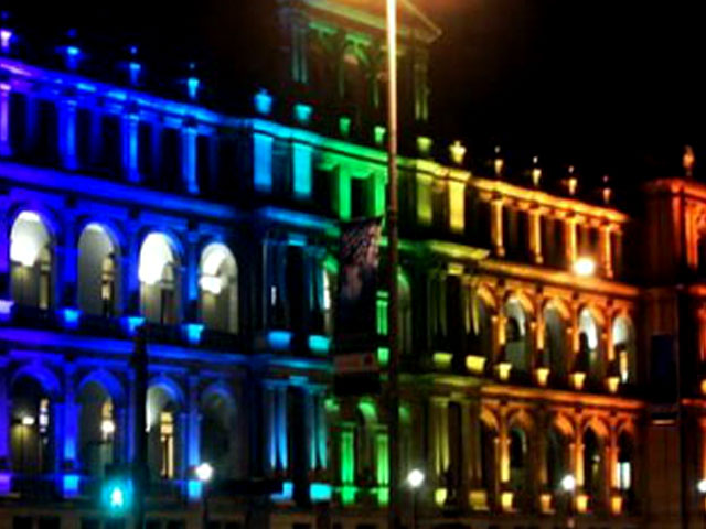 Edificio luces LED de colores